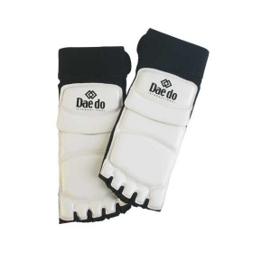 Daedo PRO15944 Feet Protector TKD Competition